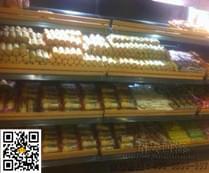 黄金兴糕点在面包房陈列